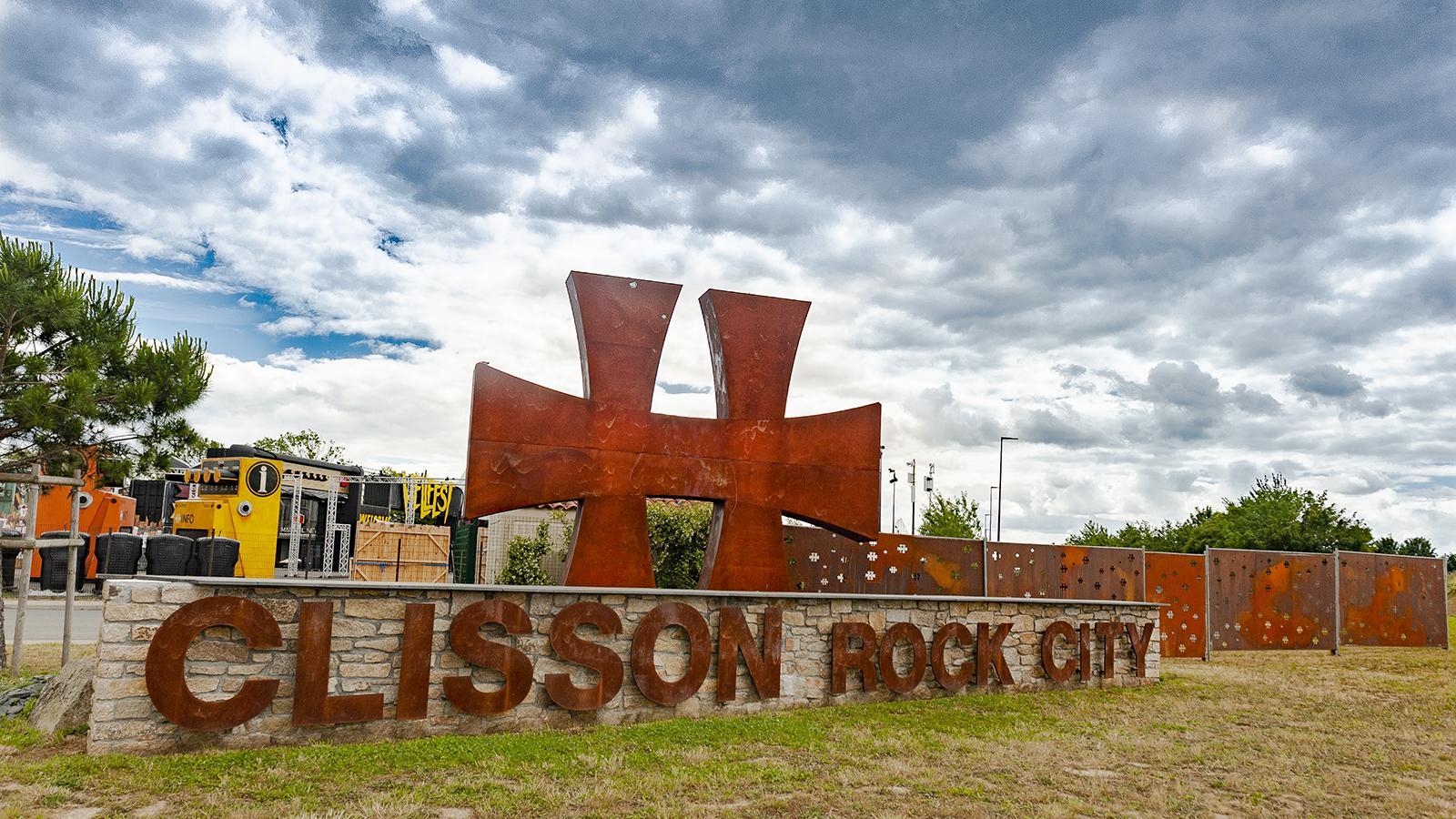 Clisson: Rock City - dank des Hellfest, des zweitgrößten Hartrockfestivals Europas. Foto: Hilke Maunder