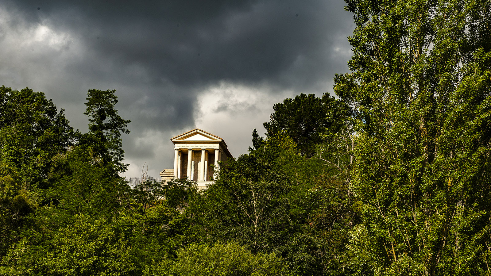 Clisson: Tempel nach Art der Griechen. Foto:Hilke Maunder