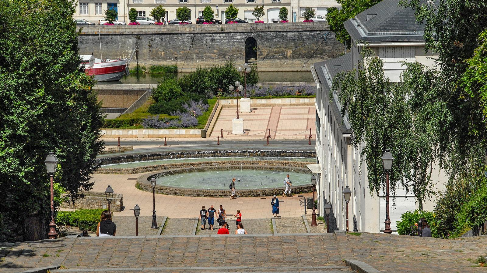 Angers: Die Treppe von der Cathédrale Saint-Maurice zur Maine. Foto: Hilke Maunder