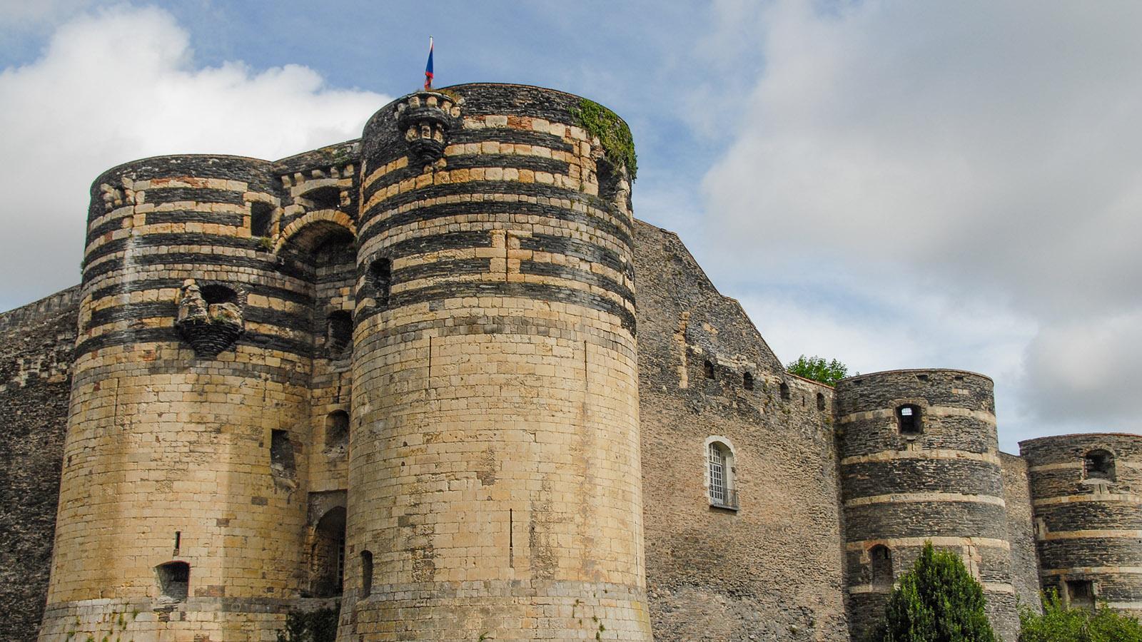 Angers: Die wuchtige Festung des Roi René in Angers. Foto: Hilke Maunder