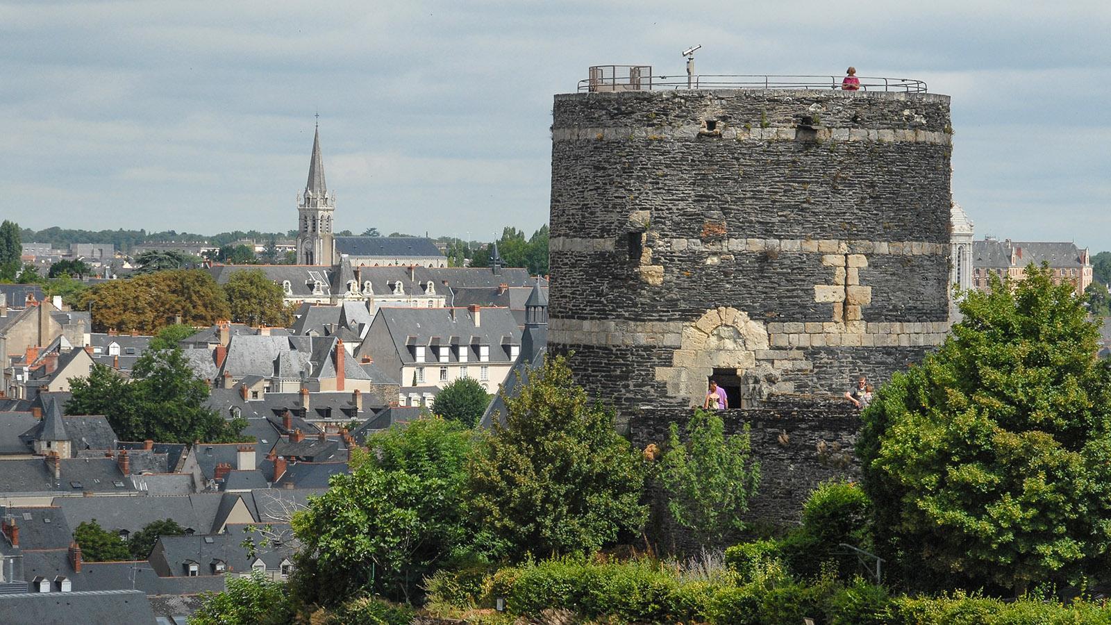 40 m hoch und wuchtig: der Mühlenturm des Château d'Angers. Foto: Hilke Maunder
