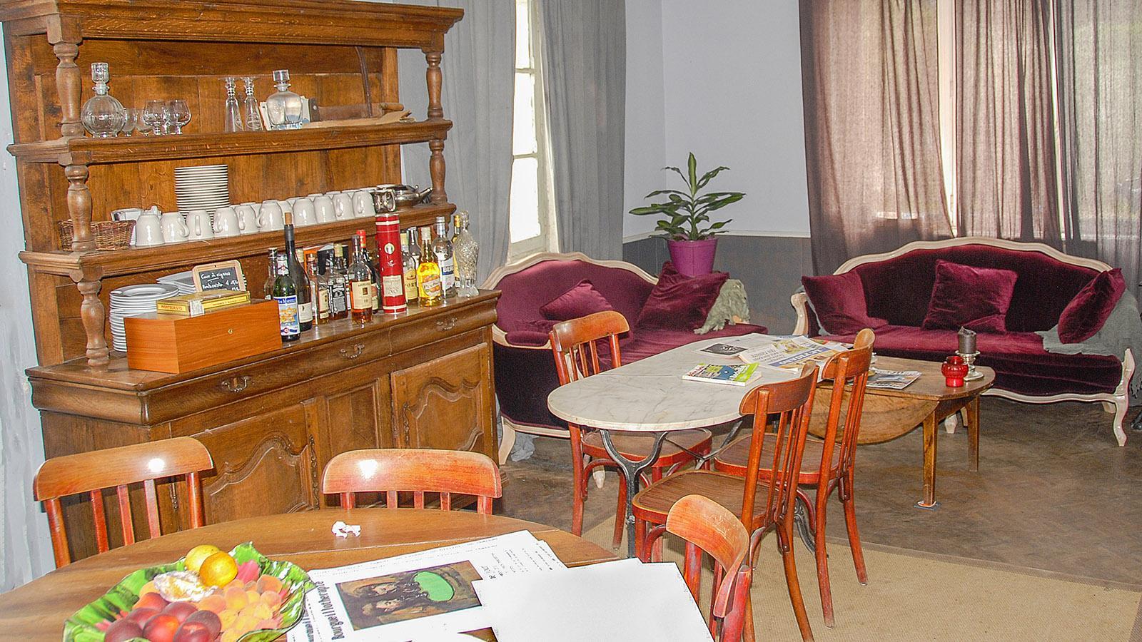 Bourgueil: Die Ofenstube des Café de la Promenade. Foto: Hilke Maunder