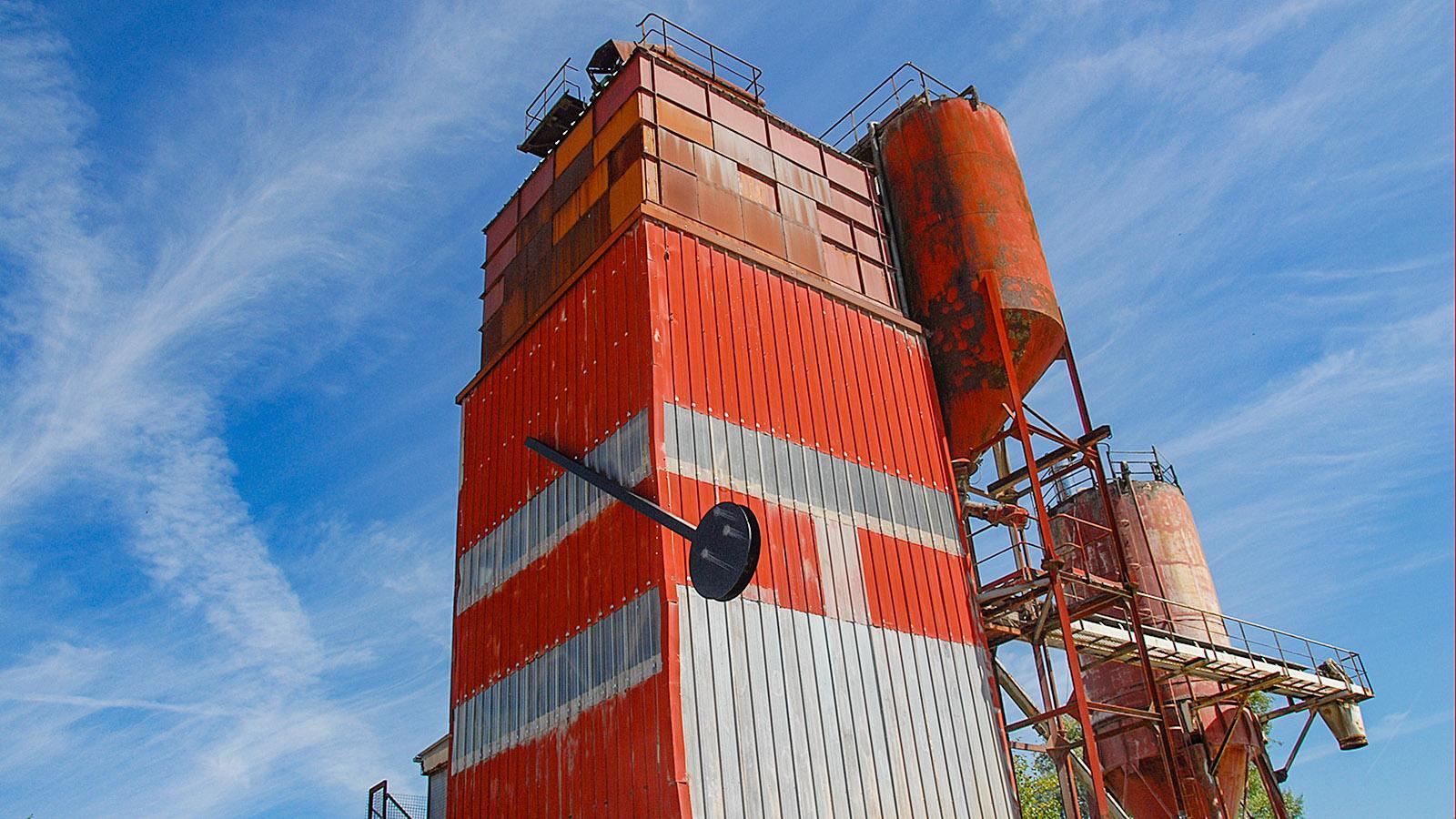 """TrentemoultL die Kunstinstallation """"Le Pendule"""" von Roman Signer, errichtet anlässlich der Estuaire 2009. Foto: Hilke Maunder"""