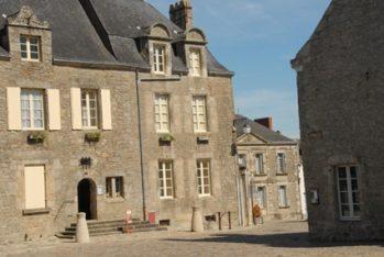 F/Pays de la Loire/Loire-Atlantique/GuŽrande: Place du Vieux MarchŽ