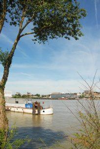 Blick von Trentemoult die Loire flussabwärts. Foto: Hilke Maunder