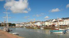 F/Pays de la Loire/Loire-Atlantique/Pornic: Hafenbecken mit Altstadt