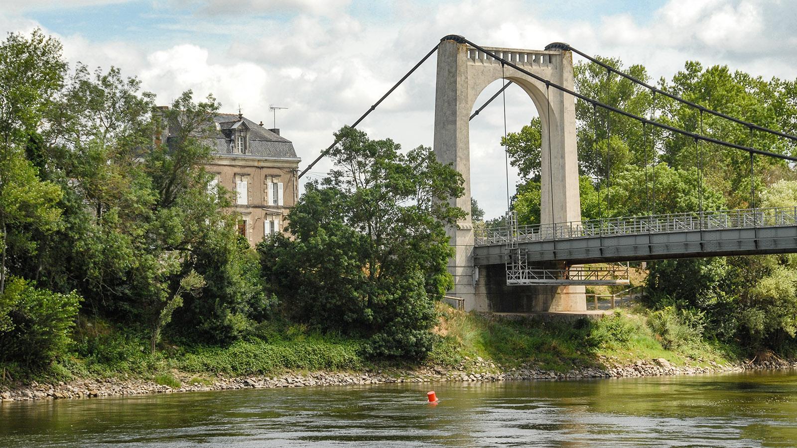 Die Loirebrücke bei Chalonnes-sur-Loire. Foto: Hilke Maunder