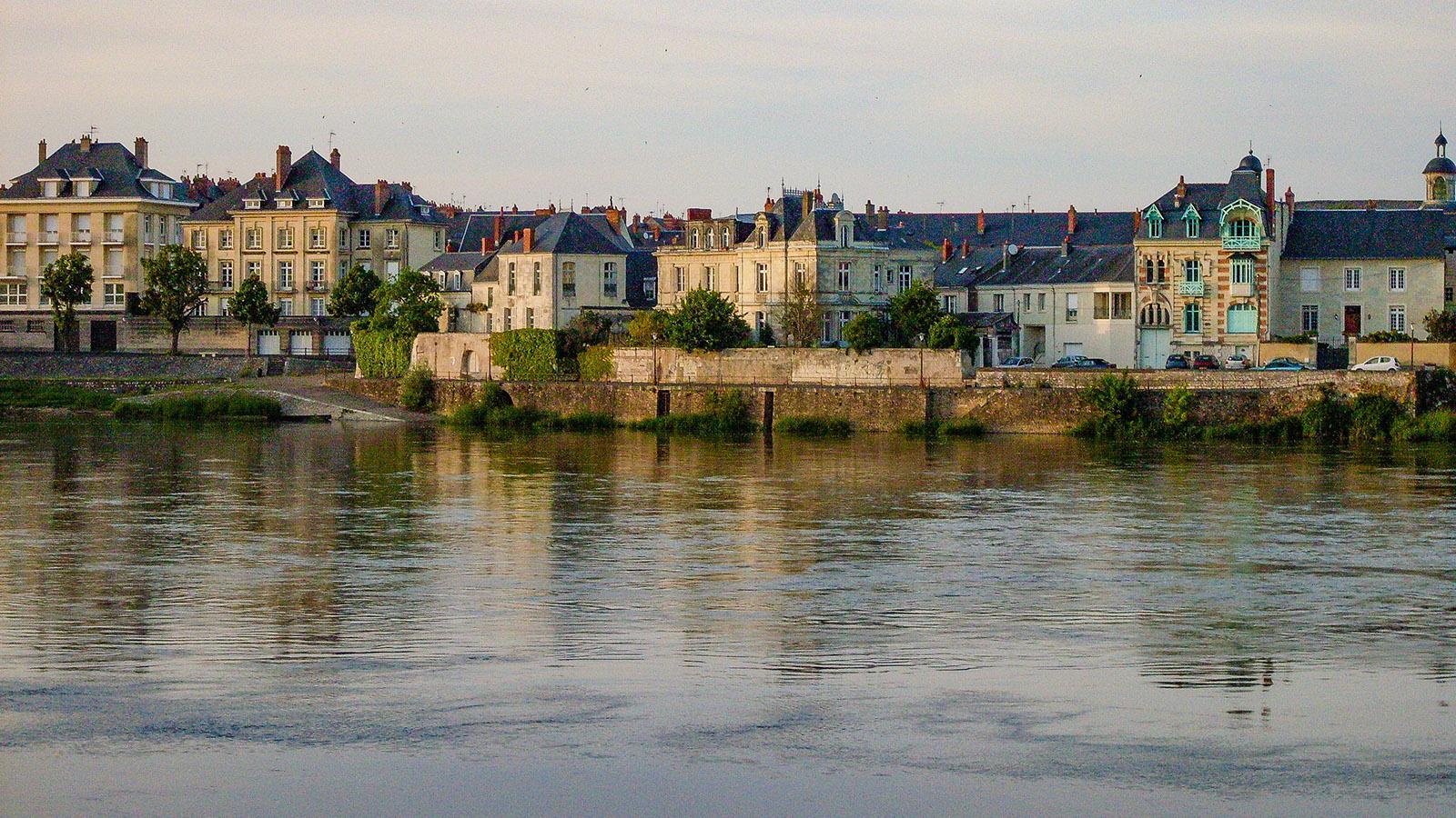 Das rechte Ufer der Loire bei Saumur. Foto: Hilke Maunder