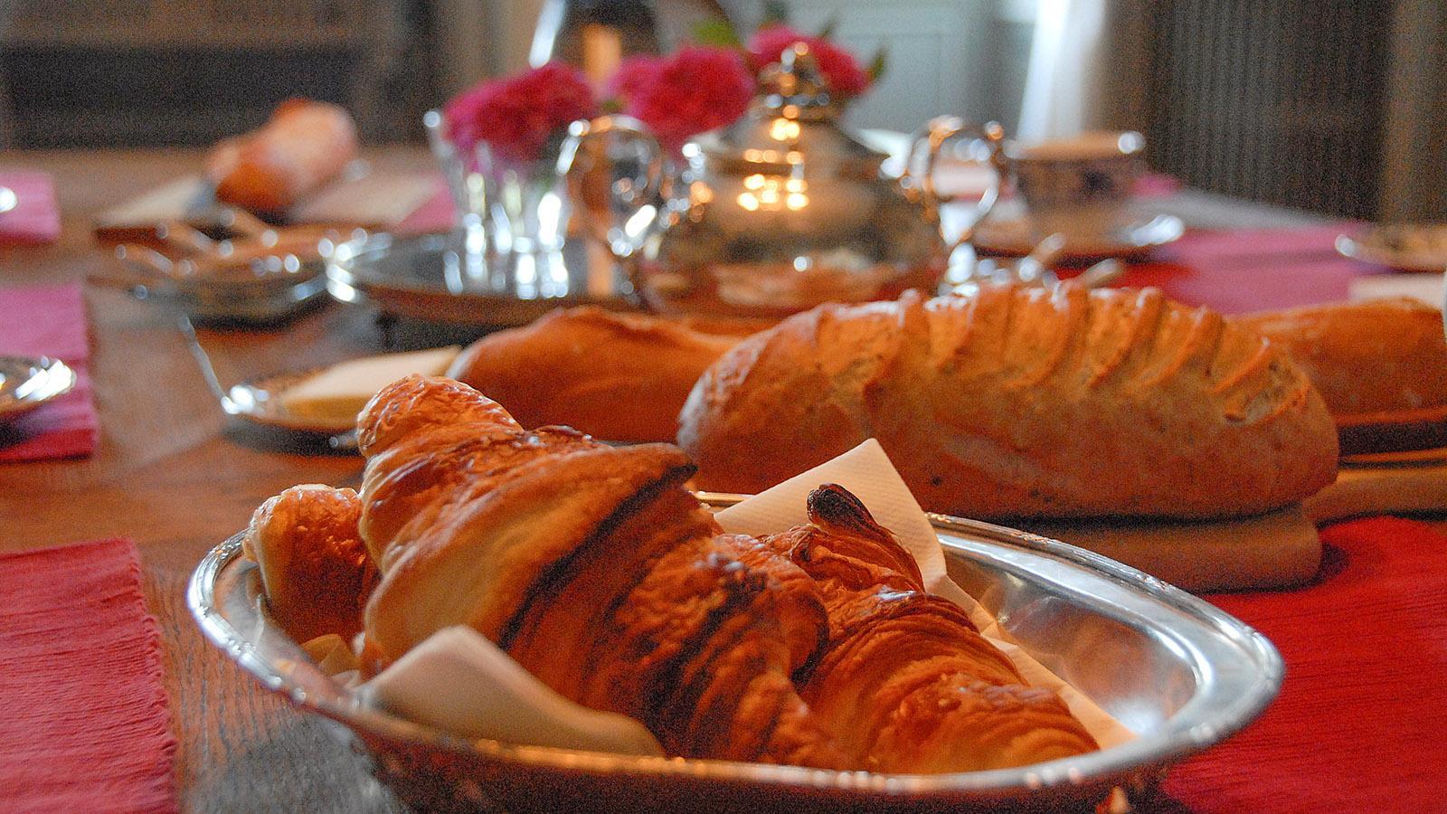 Château de Sarceaux: Ein Sonntagsfrühstück wird hier täglich serviert Foto: Hilke Maunder