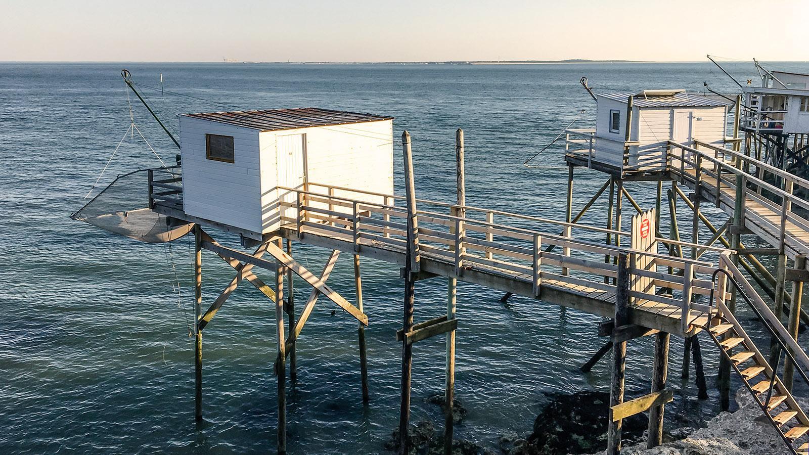 Die carrelets von Royan haben inzwischen fast durchgängig die Nutzung von Fischerei auf Freizeit geändert. Foto: Hilke Maunder