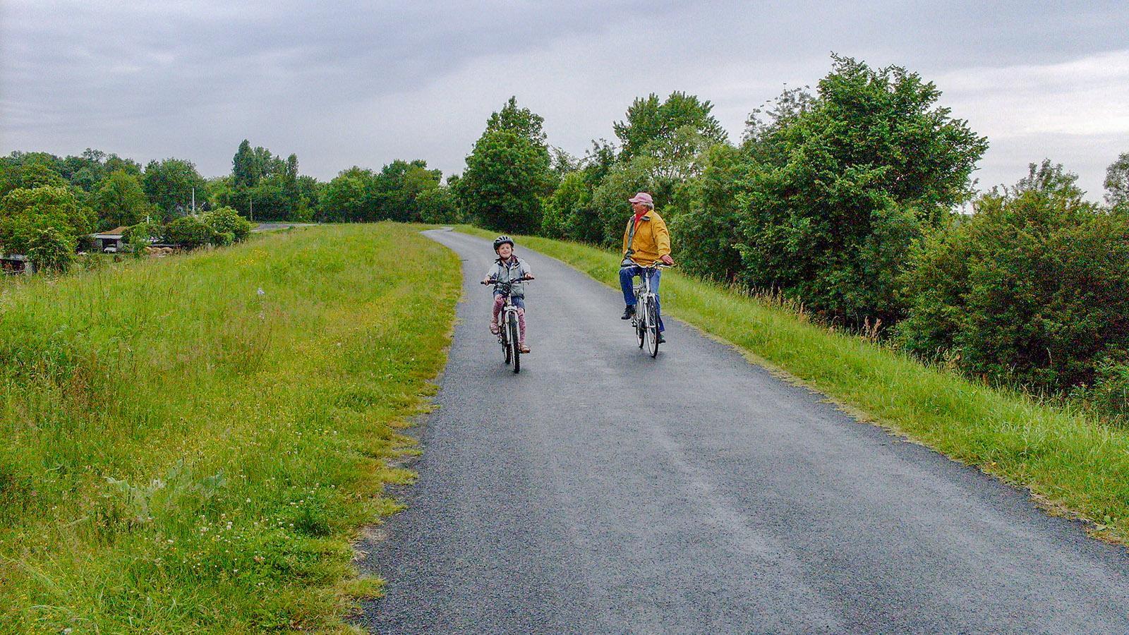 Abseits vom Verkehr: der Loire-Radweg bei Villandry. Foto: Hilke Maunder