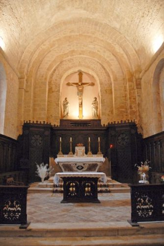 Causse du Larzac_St-Eulalie-de-Cernon_Kirche_©Hilke Maunder Kopie