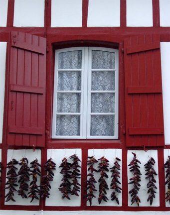 Baskenland_Espelette_Piment_Haus_Fassade_©Hilke Maunder