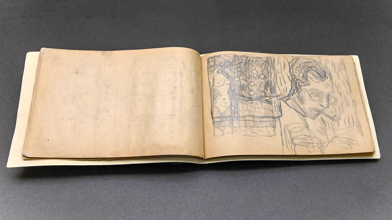 Musée Bonnard: Das Skizzenbuch von Pierre Bonnard. Foto: Hilke Maunder
