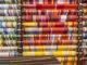 Leuchtend wie die Farben ihrer Heimat: die Sonnenstoffe von Toiles du Soleil. Foto: Hilke Maunder