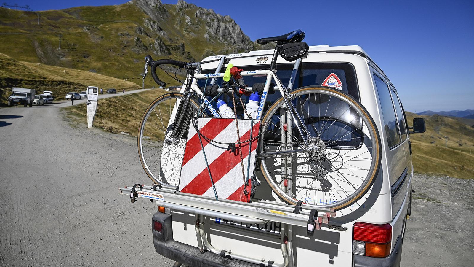 Im Sommer sind Rad-Amateure aus ganz Europa am Col du Tourmalet ud Col d'Aspin unterwegs und messen sich am Berg. Foto: Hilke Maunder
