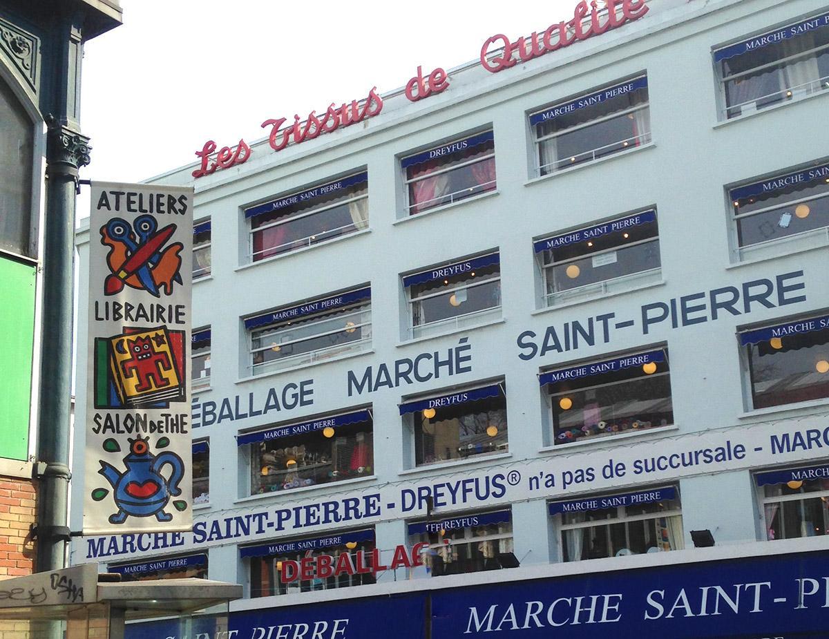 Die Halle Saint-Pierre bildet das Herz des Stoff- und Schneiderzentrums auf der Butte de Montmartre. Foto: Hilke Maunder