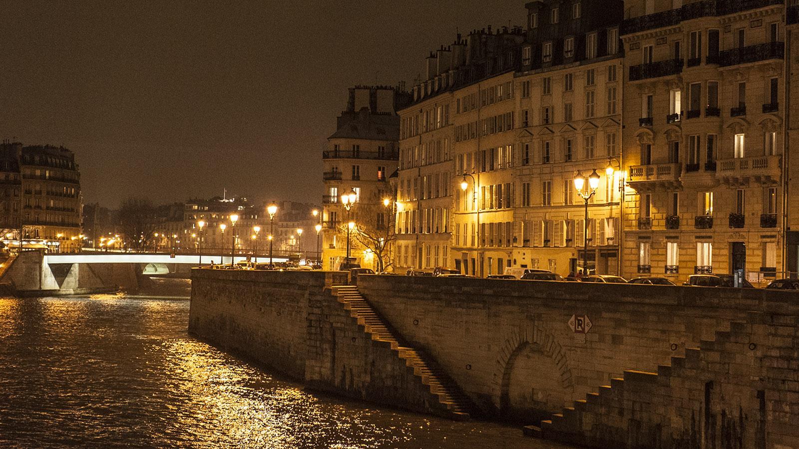 Ville lumière: Blick auf die Île Saint-Louis mit dem Seine-Kai. Foto: Hilke Maunder