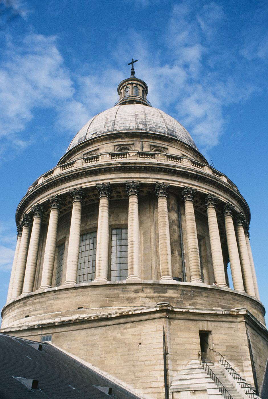 Blick auf die Kuppel von der Terrasse des Panthéon. Foto: Hilke Maunder