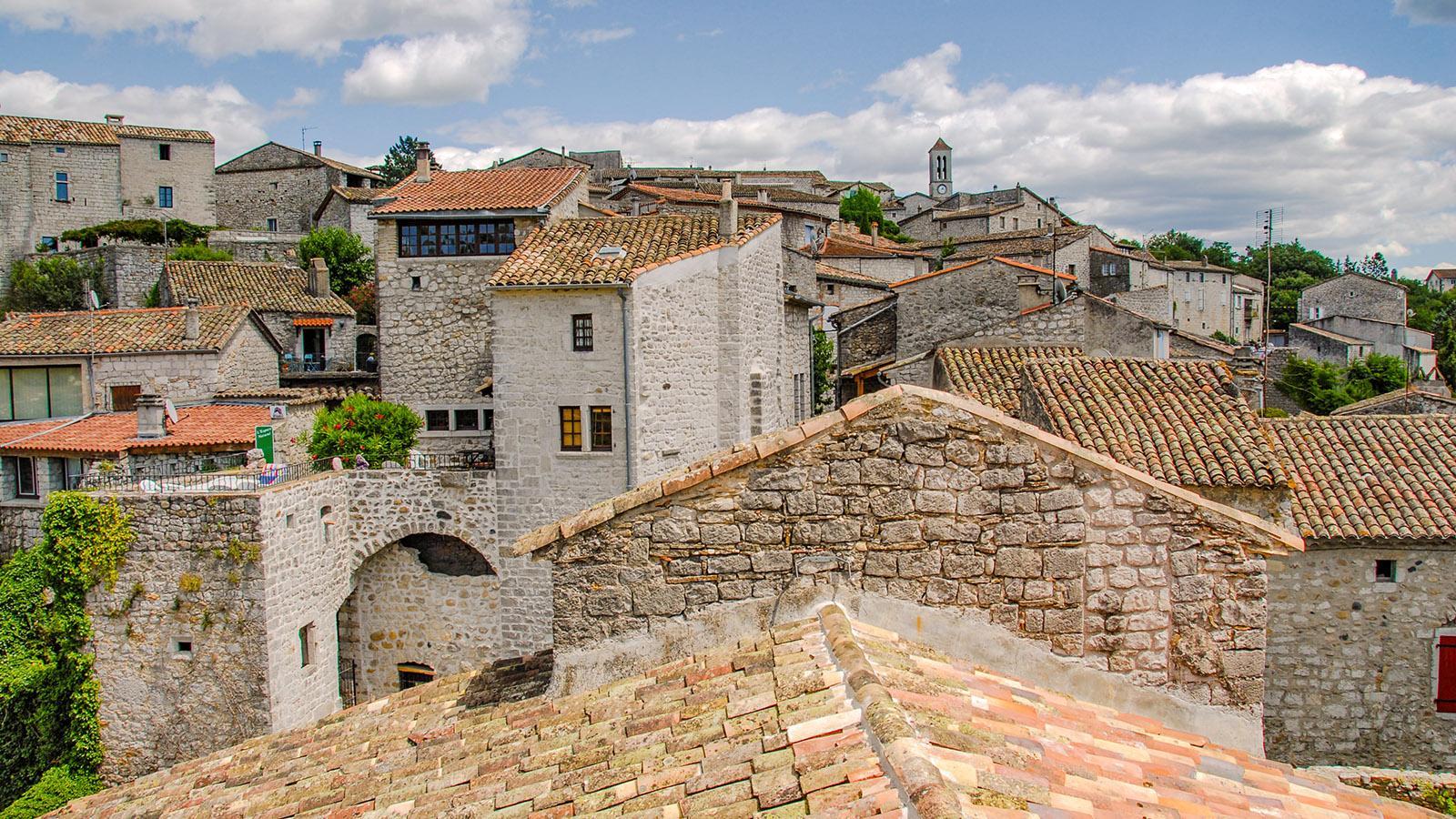 Balazuc ist ganz traditionell aus Feldsteinen erbaut. Foto: Hilke Maunder