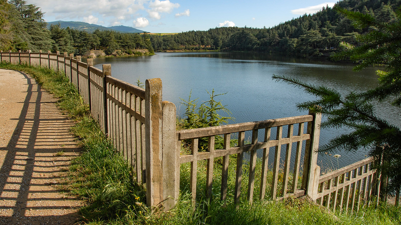 Bei Annonay: Lac de Ternac. Foto: Hilke Maunder
