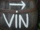 """Weinfass mit Hinweis """"Vin"""" (Wein). Foto: Hilke Maunder"""
