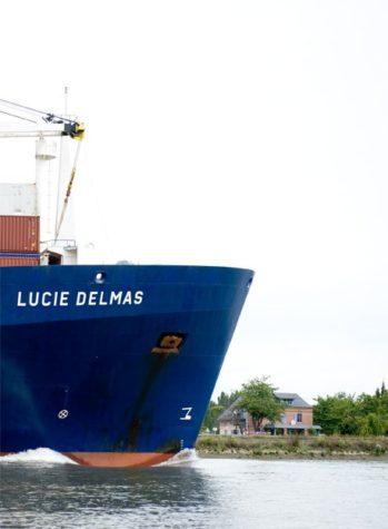 Le Mesnil-sous-Jumièges_Seine_Containerschiff_©Hilke Maunder