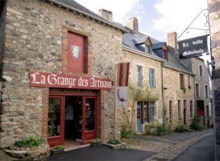 Mayenne_Sainte-Suzanne_Altstadt_1_©Hilke Maunder