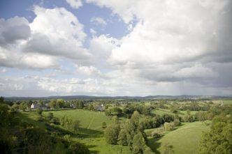Mayenne_Sainte-Suzanne_Blick Umland_credits_Hilke Maunder