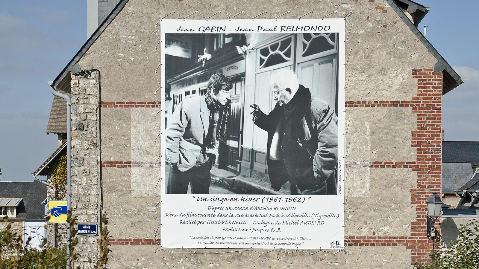 Filmplakat auf einer Hauswand von Villerville bei Le Havre Foto: Hilke Maunder