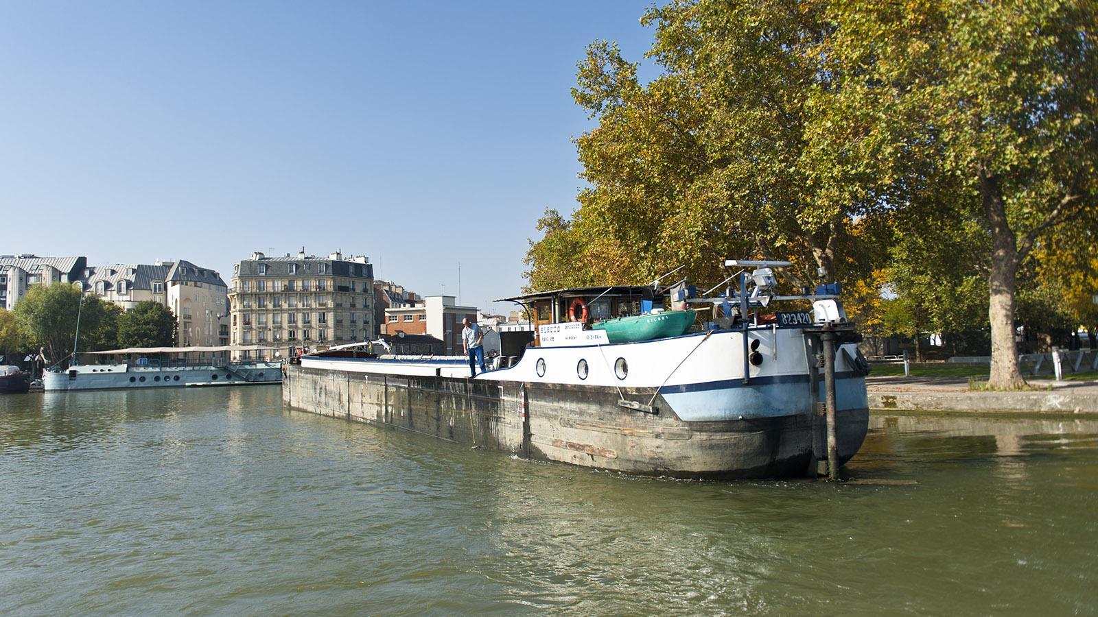 Am Bassin de la Villette endet gen Norden der Canal Saint-Martin. Foto: Hilke Maunder