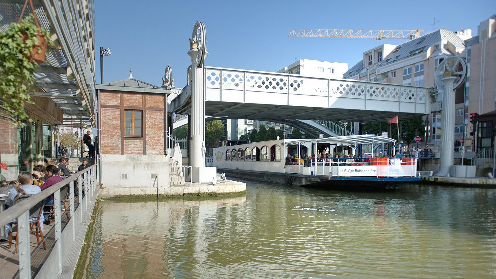Bei den Kanalfahrten geht es weiter bis zum Canal de l'Ourcq am Bassin von La Villette. Foto: Hilke Maunder