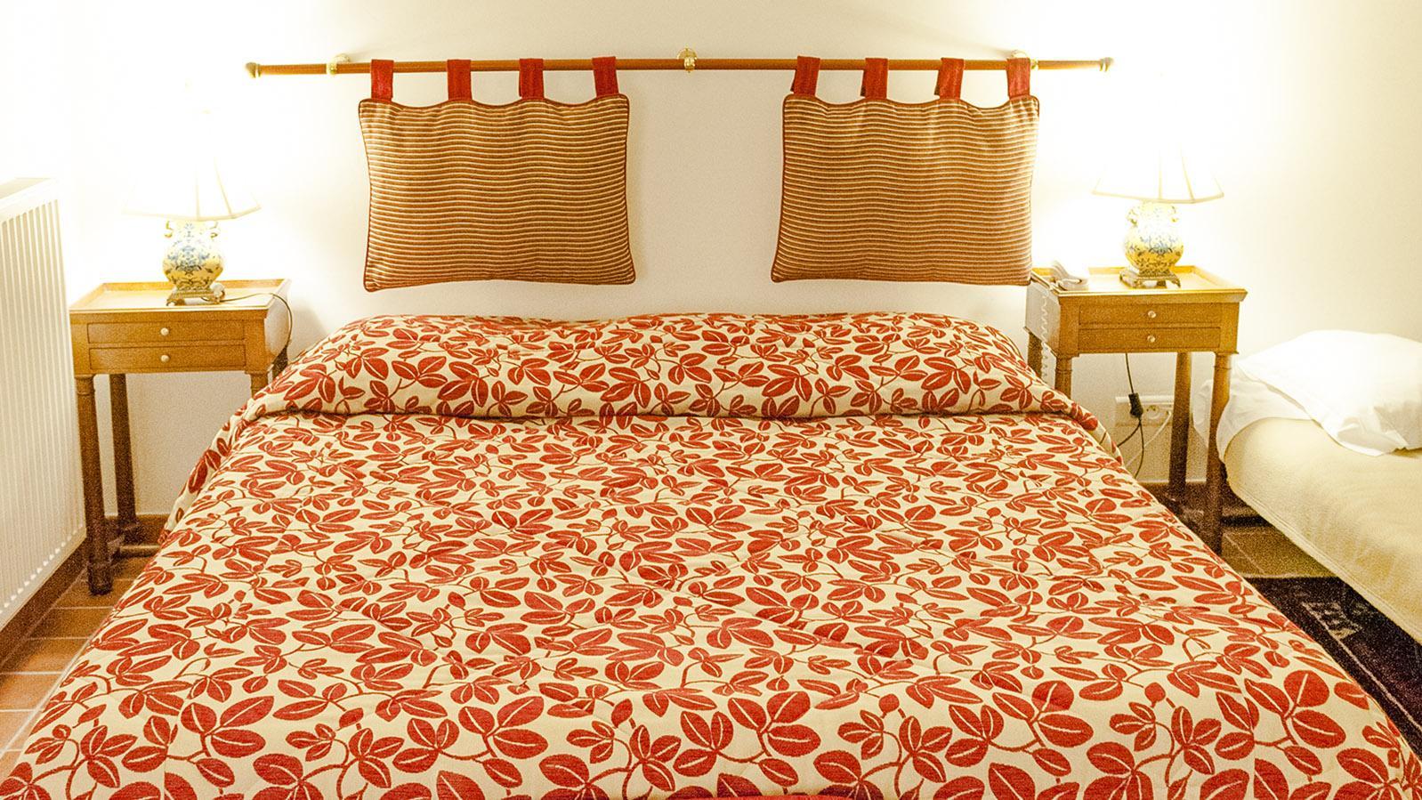Sedan: ein Zimmer im Burghotel. Foto: Hilke Maunder