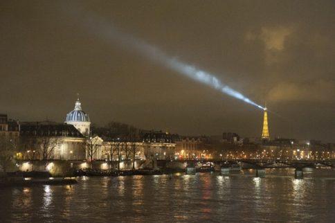 Paris_Eiffelturm_Tour Eiffel_Seine_Illumination_nachts_credits_Hilke Maunder