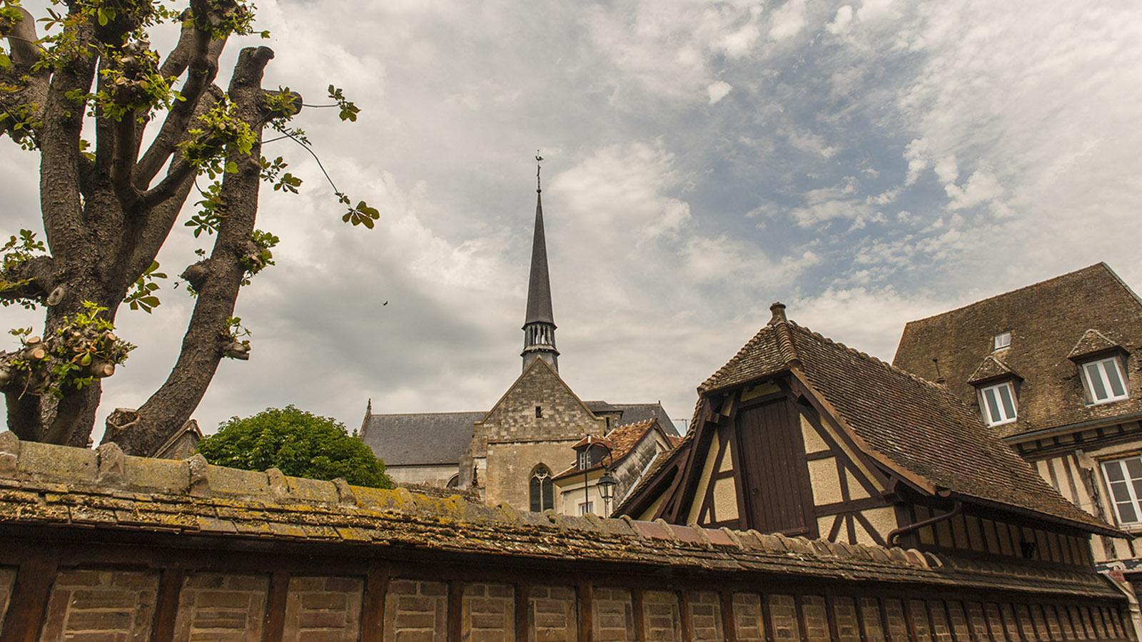 Die Marktkirche des alten Andelys. Foto: Hilke Maunder