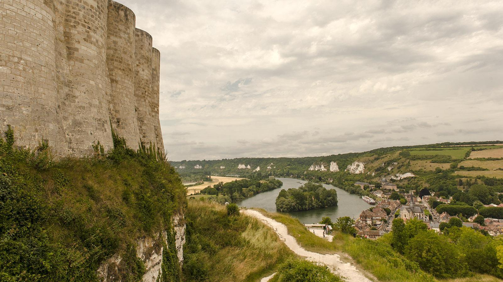 Blick vom Château Gaillard auf Les Andelys. Foto: Hilke Maunder