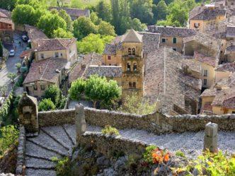 Provence_Moustiers-Ste-Marie_Ort_Dächer©Hilke Maunder