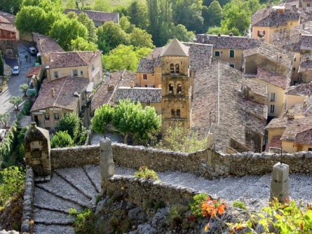 Provence_Moustiers-Ste-Marie_Ort_Dächer©Hilke Maunder