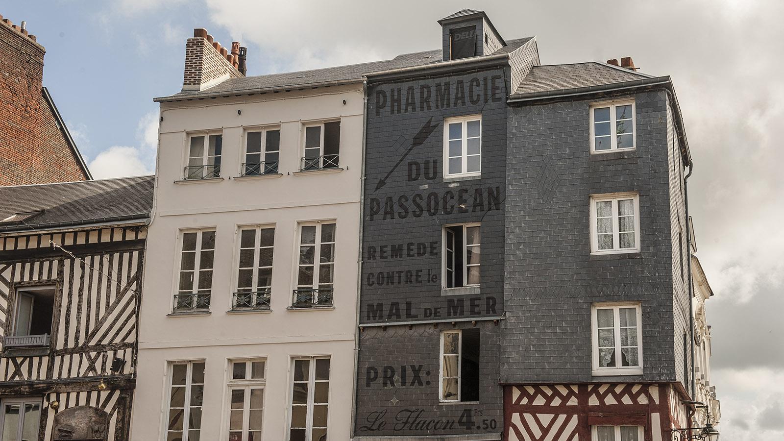 Boudin in Honfleur: die Pharmacie du Passocean. Foto: Hilke Maunder