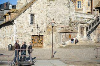 Normandie_Honfleur_Vieux Port_credits_Hilke Maunder.jpg