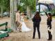 Fotoshooting am Eiffelturm: So romantisch sehen besonders Asiaten Paris. Foto: Hilke Maunder