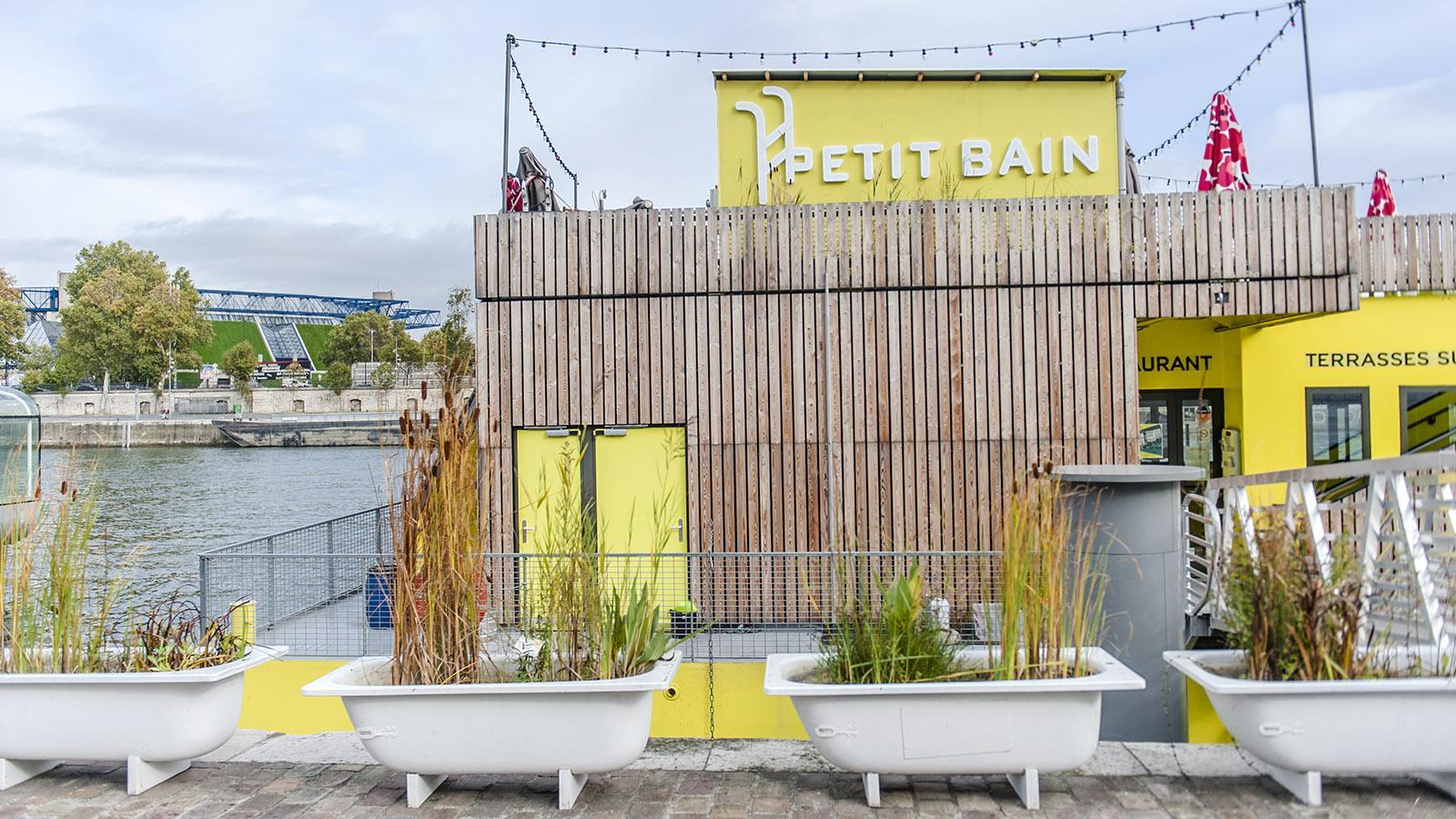 Tolbiac: Le Petit Bain - ein beliebte Bar im Sommer. Foto: Hilke Maunder