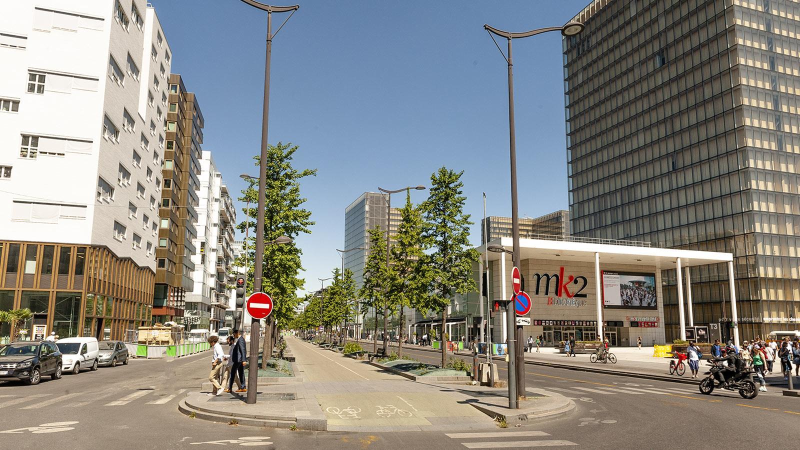 Tolbiac: Die Radspuren verlaufen vom Verkehr getrennt –vorbildlich! Foto: Hilke Maunder