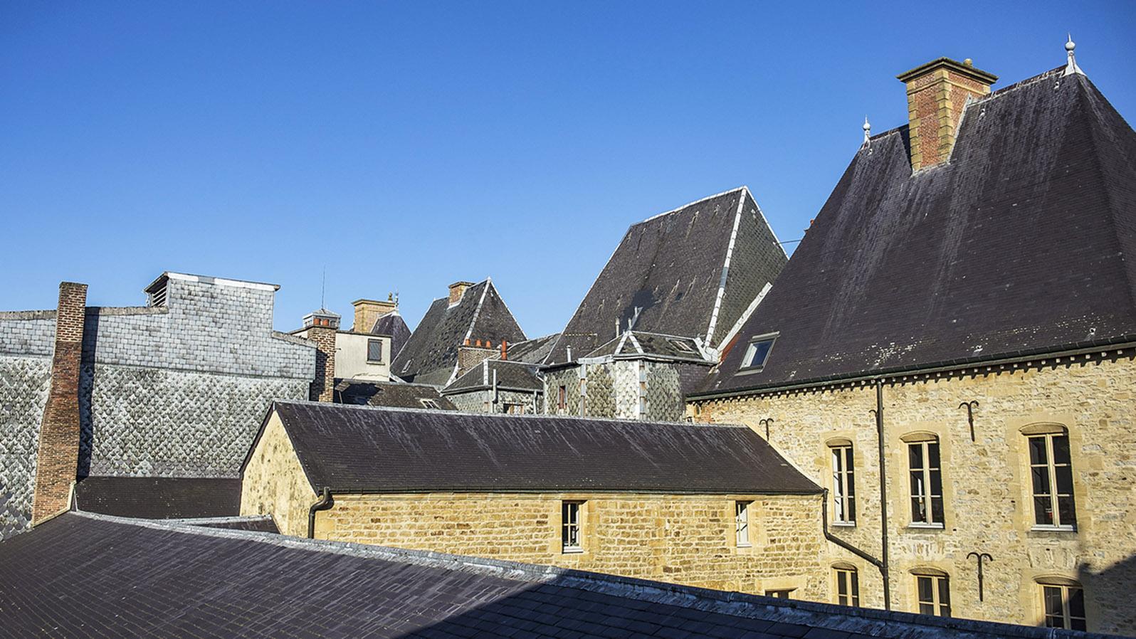 Ein Blick über die Dächer von Charleville-Mézières. Foto: Hilke Maunder