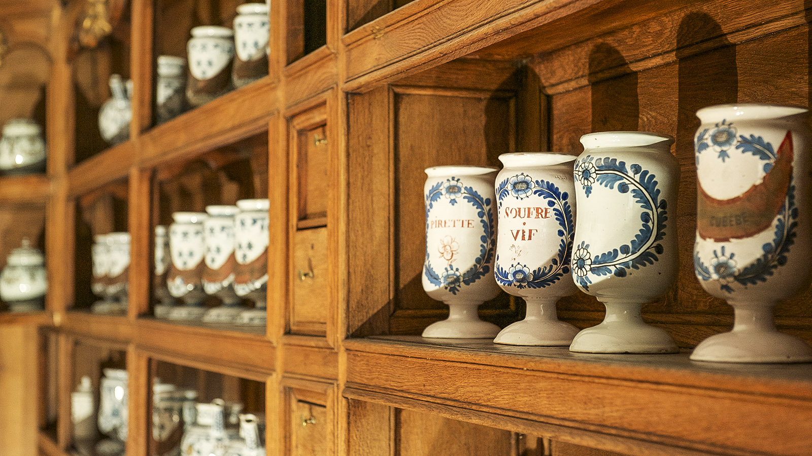 Charleville-Mézières: die Apotheke mit ihren Arzneien. Foto: Hilke Maunder