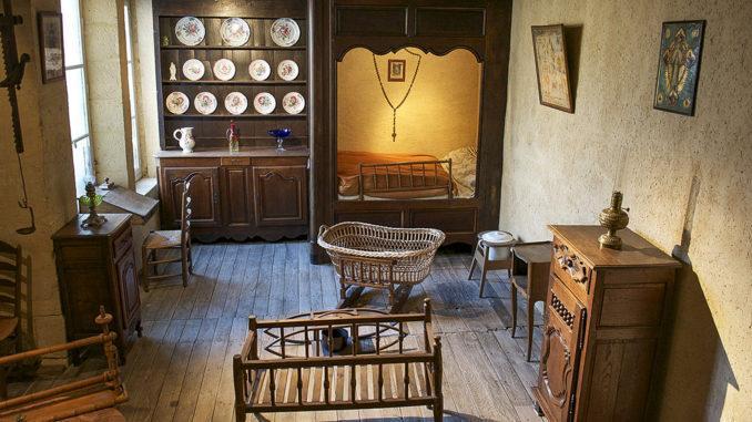 Charleville-Mézières: Regioinalmuseum, Stube. Foto: Hilke Maunder