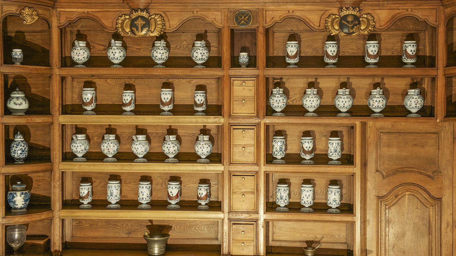 Historisch: der Apothekenschrank. Foto: Hilke Maunder