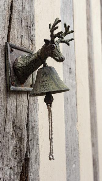 F_Lyons-la-Forêt_Le Grand Cerf_Detail_credits_Hilke Maunder