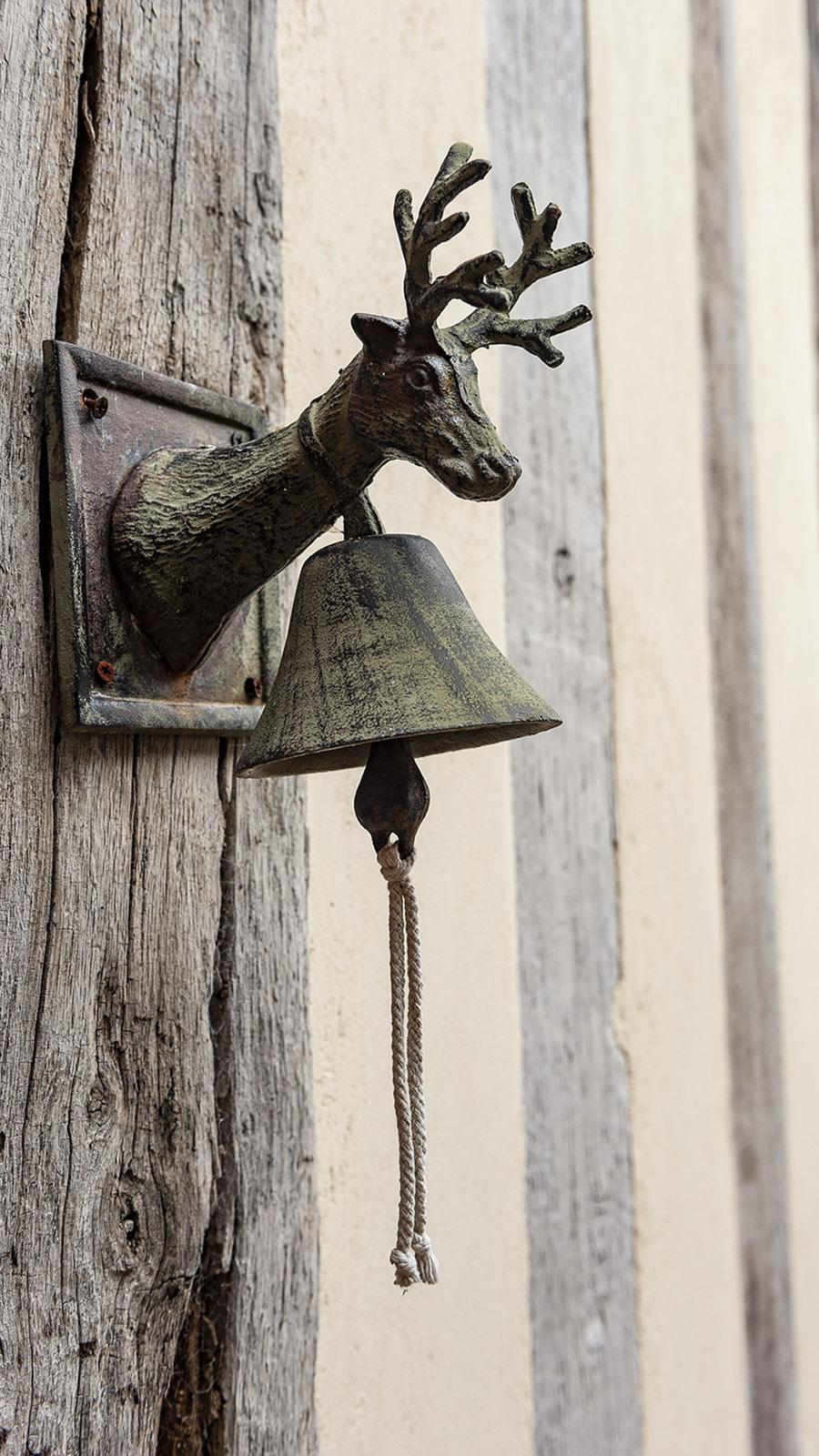 Lyons-la-Forêt: Türklingel von Le Grand Cerf. Foto; Hilke Maunder