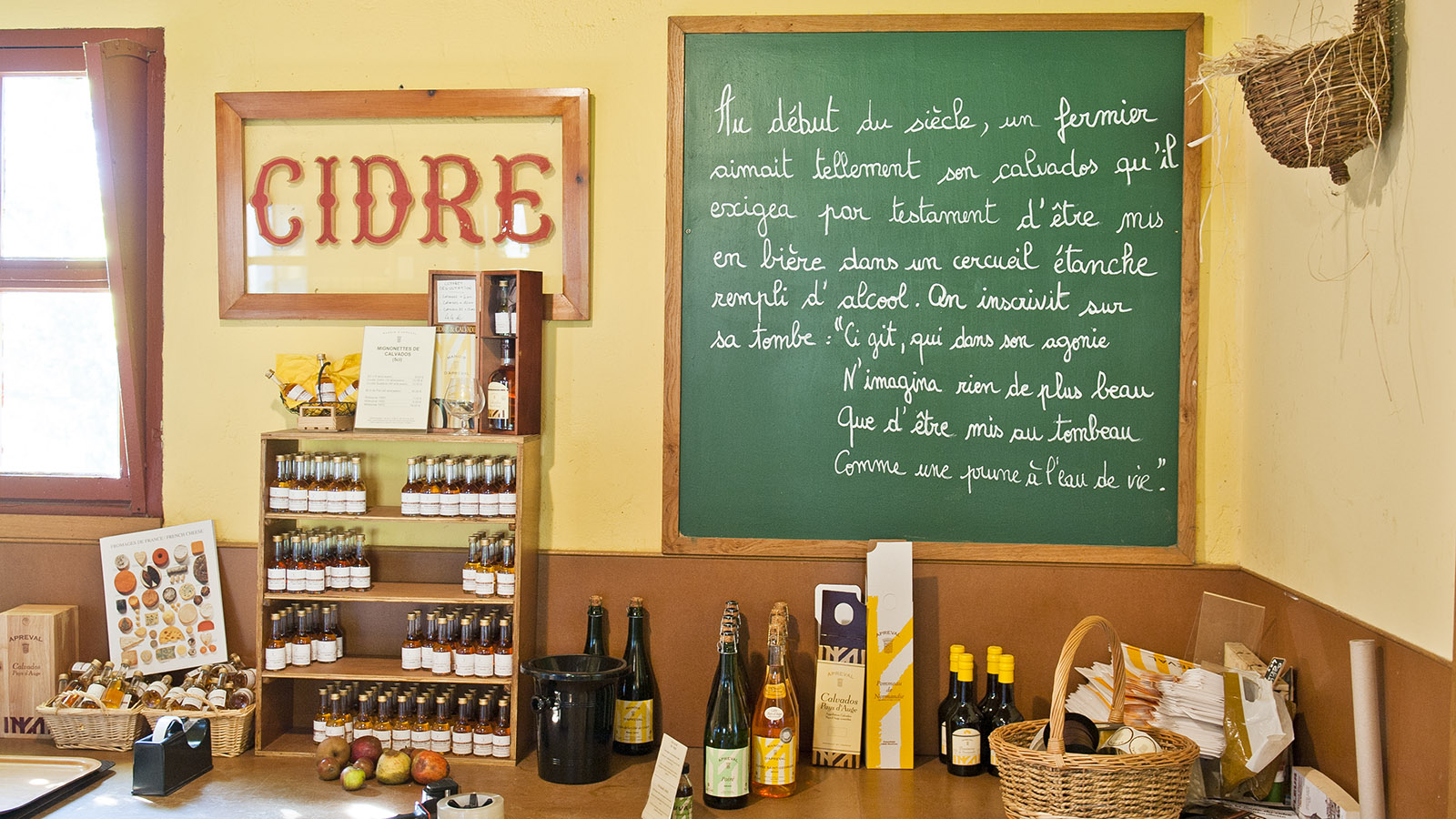 Cidre-Verkauf beim Manoir d'Apreval. Foto: Hilke Maunder